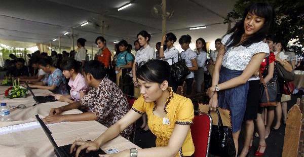 Mau Jadi Pramugari Garuda Indonesia Yuk Ketahui Syarat Dan Tipsnya Disini Hr Payrollbozz