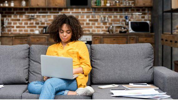 Anjuran Work From Home (WFH), Sadarkan Kita Kerja Gak Harus Di Kantor