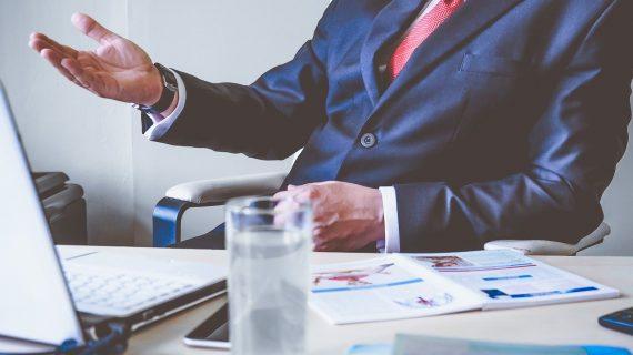 CEO Adalah Bagian Terpenting dalam Perusahaan. Kita Kenali Tugas dan Fungsi CEO di Perusahaan yuk!